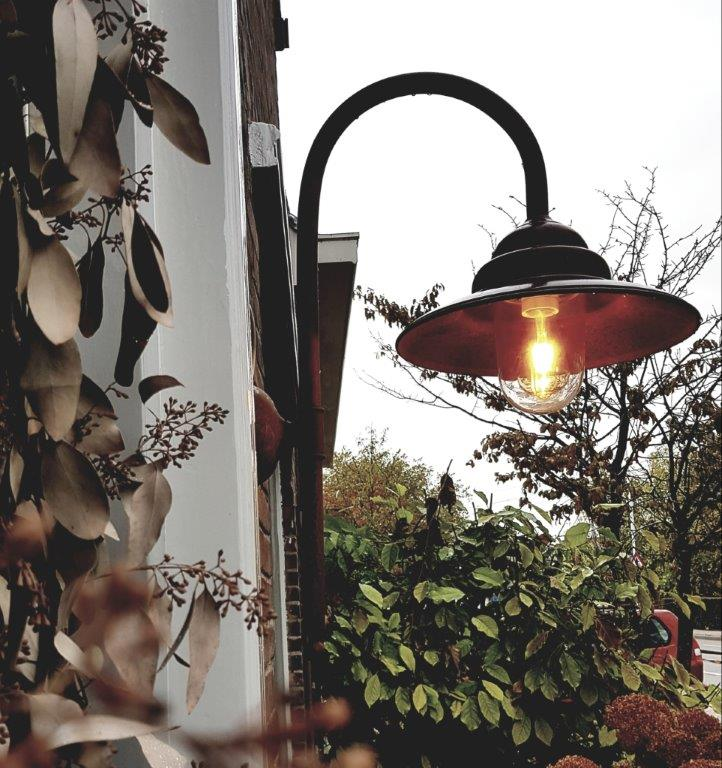 Afbeelding van vastgemonteerd Wandarmatuur uit de Dutch Lighting Collection.