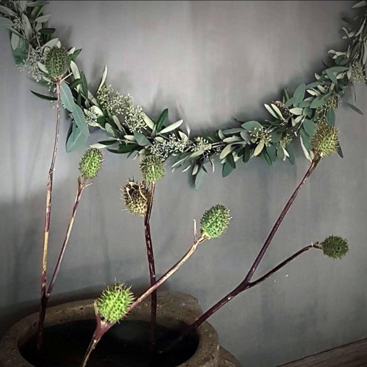 Foto van Moongate XL Eucolive met decoratiebloemen in vaas voor gebruik webshop Antérieur Authentique