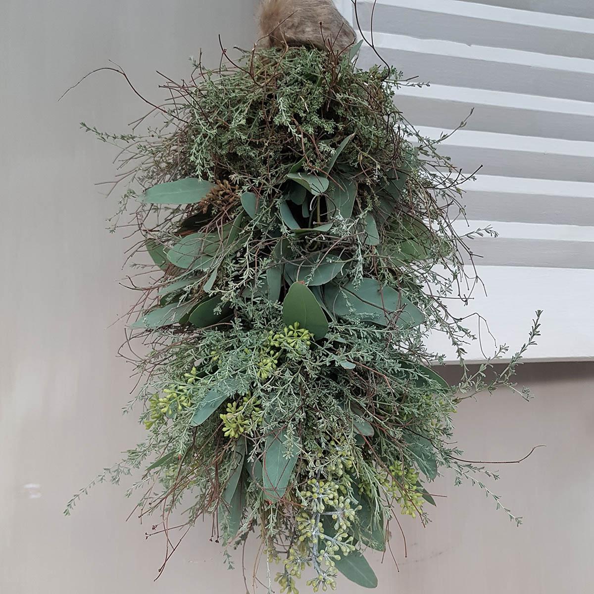 Foto met toef van mos, wilde thijm eucalyptus voor webshop Antérieur Authentique