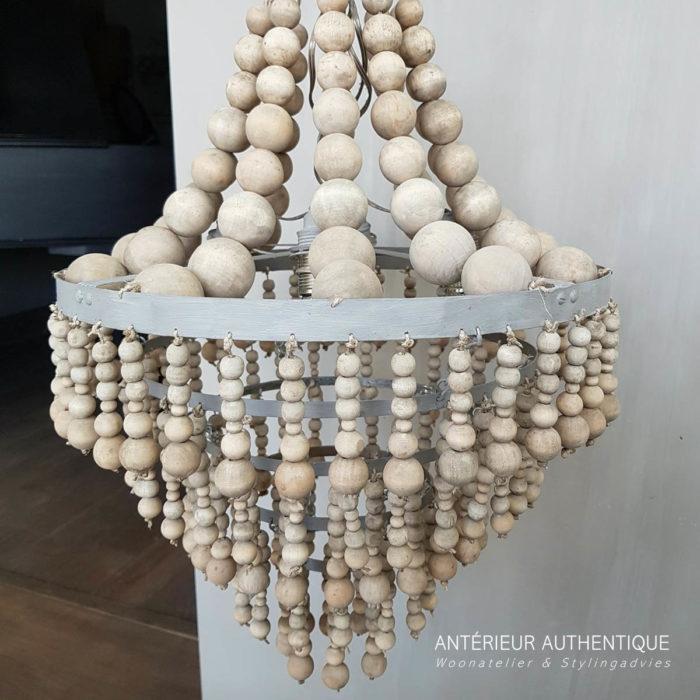 Index afbeelding van hanglamp kralen voor webshop van Antérieur Authentique