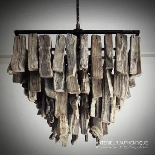 Afbeelding van hanglamp drijfhout vierkant voor gebruik in de Antérieur Authentique webshop