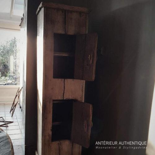 Productafbeelding van kastje oud eiken (totaalplaatje) voor illustratie in Antérieur Authentique webshop